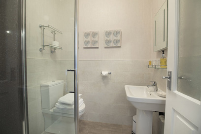 Room 2 - Double - ensuite shower room